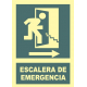 Escalera de emergencia a la derecha