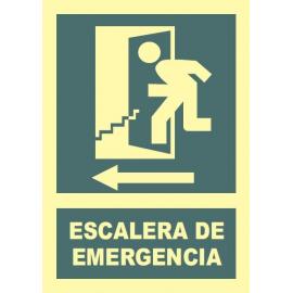 Escalera de emergencia a la izquierda